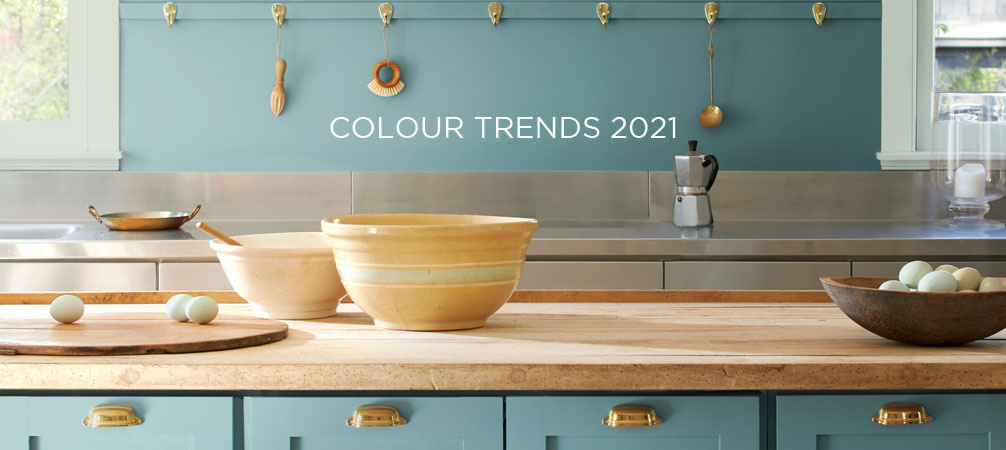 Take a moment to reflect and reset. Intriguing, balanced, and deeply soothing, the Benjamin Moore Color of the Year 2021, Aegean Teal 2136-40, creates natural harmony.